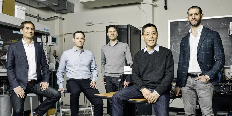 sulfur flow battery researchers in MIT office