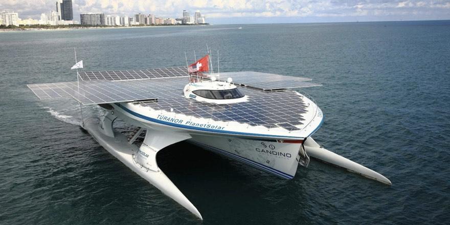 solar panelled boat