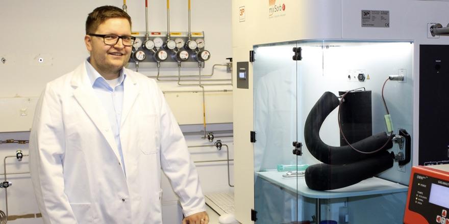 scientist with machine